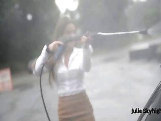스타킹, 모피 및 미니 스커트의 julie skyhigh 최고