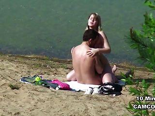 햄버거 해변에서 섹스에 젊은 독일 사춘기 몇 훔치기