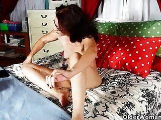 우리 모두는 여성들이 남성만큼 포르노를 즐기는 것을 압니다.
