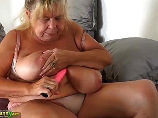 oldnanny 두 뚱뚱한 grannies과 그들의 큰 가슴