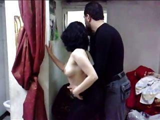 아랍 무슬림 cpl은 그들의 사랑스러운 순간을 비디오로 만들었습니다.