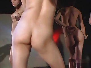 섹시한 일본 여자 뜨거운 누드 고고 그룹 댄스