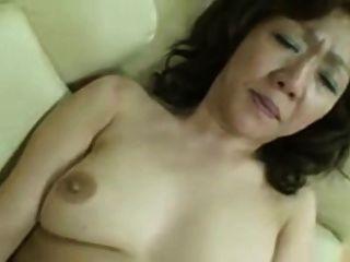 일본의 통통한 커다란 성숙한 에리코 니시무라 51 년
