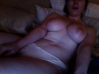 포르노를보고 자위하다