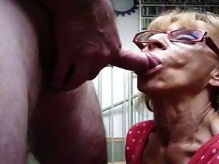 할머니가 cim으로 빠른 입으로 가져다 준다.