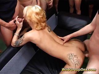 bukkake 그룹 섹스 난교의 독일인