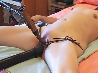 복종하는 아내는 묶고 자위했다.