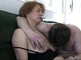 프랑스 섹시한 아내가 열심히 망할 준비!