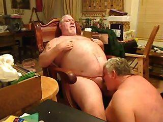 뚱뚱한 아빠가 뚱뚱한 아빠가 빨려 들었어.