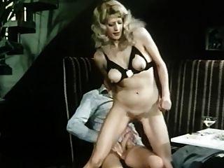 붐비는 카페 (1978) 짧은 독일어 포르노 영화