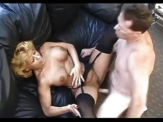 섹시한 블랙 스타킹에 성숙한 사무실 남자가 섹스