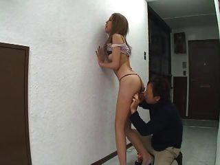 일본 여자가 항문을 즐긴다.