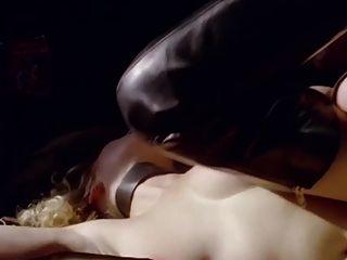 섹시 machina 포르노 뮤직 비디오 금발 로봇 라텍스 부츠