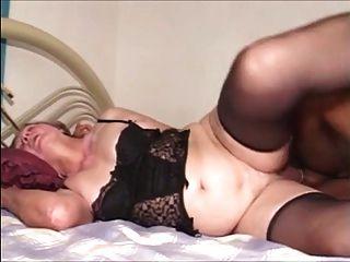 할머니 그녀의 장난감 소년을 엉덩이에 그녀를 섹스 전화