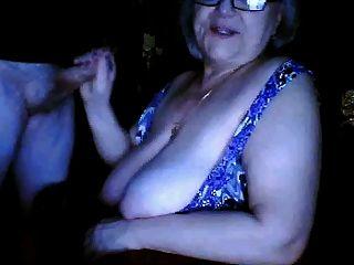 러시아 할머니 깜박 거 대 한 가슴 n 빠는 남편 웹캠