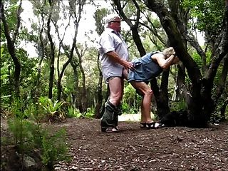 할아버지 숲에서 할머니 빌어 먹을