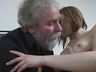 노인에 의해 망할