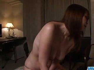 araki hitomi 하드 거시기에 대한 거만한 암컷의 갈망