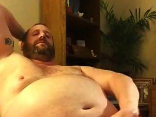 뚱뚱한 아빠가 빠져 나간다.
