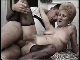 그녀가 사랑했던이 늙은 녀석을 엿 먹어 봐.