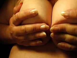 젖꼭지와 가슴을 닫다.