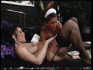 좋은 여인은 그녀의 여주인 레즈비언 욕망을 만난다.