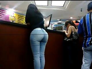 청바지에 섹시한 엉덩이
