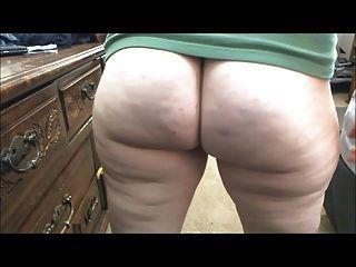 큰 벌거 벗은 엉덩이 방귀