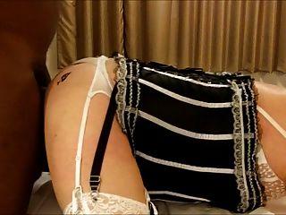 스페이드의 여왕 CD 앰버는 b.bc.c.에 그녀의 엉덩이를 포기합니다.