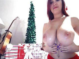 테사 파울러 크리스마스 가슴