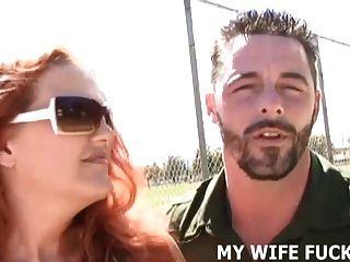 네 아내는 네가 줄 수있는 것보다 더 많은 수탉이 필요해.