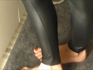 가죽 레깅스의 위대한 엉덩이