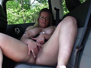 차에서 자위하다