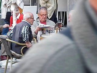 거리의 노인들 01
