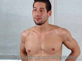 게이 캐스팅 엉덩이 먹는 사람 카일 캐쉬 포르노 싶어