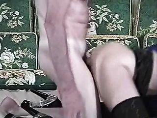 늙은 남자와 여자 (그는 그의 엉덩이에서 그의 정액을 핥아)