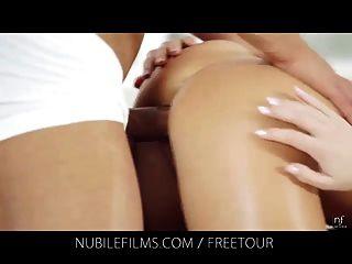 Nubile 영화 벨라 아기와 그녀의 젊은 레즈비언 애호가 체험
