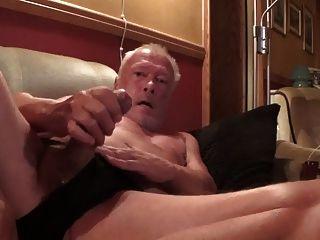 2015 년 7 월에 경련을 일으키는 노르웨이 아빠 (다시 호색한)