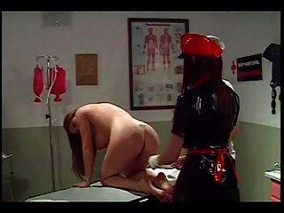 레즈비언 간호사 관장