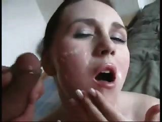 아내는 얼굴을 붉 히고 몸 전체에 질식사를한다.