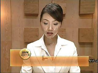 아름다운 일본 뉴스 해설자는 몇몇 facisls를 얻는다