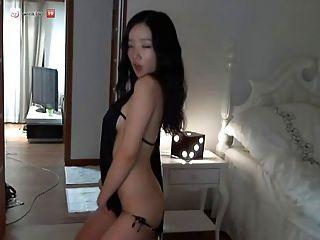 화려한 한국 소녀