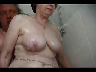 섹시한 할머니 입욕
