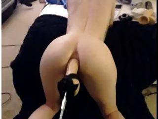 기계에 의해 망할 뜨거운 아가씨 엉덩이