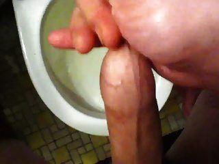 포피 안에 다시 cumming (샤워하기 전에)