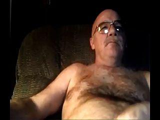 실버 모피 아빠보고 그의 배꼽에 포르노와 cums