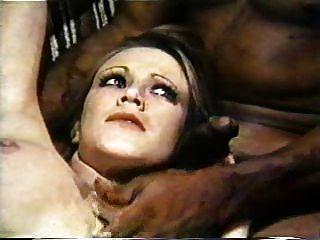 내부 마릴린 챔버스 1975 (3 인조 장면) mfm