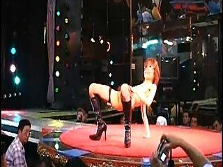 섹시한 털이 일본 stripgirl 누드에 무대 일본 나이트 클럽