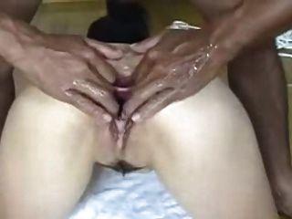 일본 창녀는 그녀의 엉덩이를 가져오고, 보지 넓게 펼쳐져