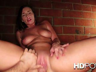 hdpov 그녀가 그녀의 오르가즘에 타고 그녀의 엉덩이가 반송